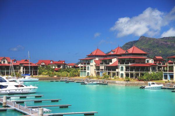 eden-island-apartments-cover-img-46019DD75E53-33E8-1301-651A-75DC70C0F6D8.jpg