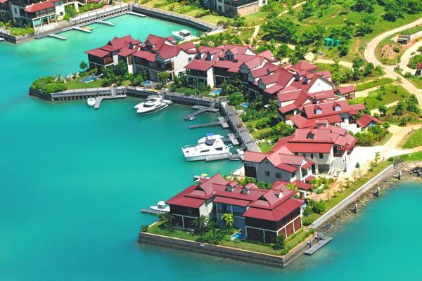 eden-island-maisons-aerial-viewF26AFC5A-17F5-805B-AE98-7B3EE3CC56EC.jpg