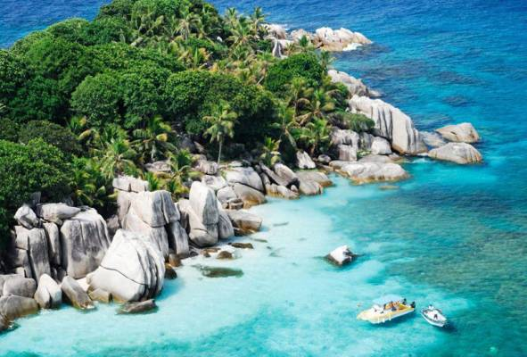 Have Your Wedding and Honeymoon in Seychelles
